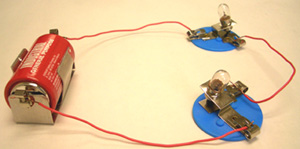 Circuit of battery and 2 bulbs in series